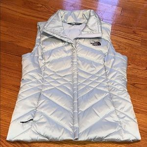 Authentic NEW The North Face 550 Vest.